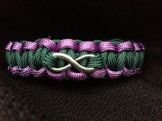 Customizable Paracord Bracelet with Infinity Charm (Cobra Weave) Paracord Weaves, Paracord Braids, Paracord Knots, Paracord Keychain, Paracord Bracelets, 550 Paracord, Parachute Cord Crafts, Cobra Weave, Paracord Projects