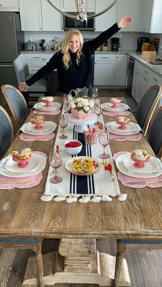 Valentine's Day Table: The Chic(ish) Chick – Cook It Valentine's Day Food Dinner Party Decorations, Dinner Party Table, Esstisch Design, Party Food Platters, Kitchen Table Makeover, Dining Room Table Decor, Tablescapes, Table Settings, Brunch Table Setting