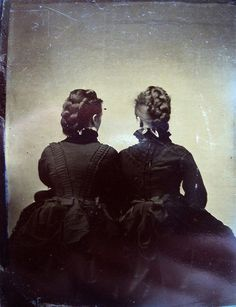 I misteriosi ritratti di schiena scattati nell'800. #photography #vintage