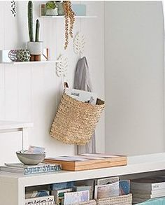 Wall Ideas, Room Ideas, Rattan, Wicker, Mudroom, Straw Bag, Organization, Home Decor, Getting Organized
