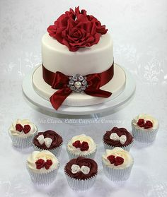 metallic wedding cakes, metallic cakes for weddings. one of the hottest wedding cake trends are stunning metallic cakes think gold wedding cakes, silver, pewter and bronze these works of art will wo. Ruby Wedding Cake, Burgundy Wedding Cake, Small Wedding Cakes, Wedding Cakes With Cupcakes, Wedding Cake Decorations, Cupcake Cakes, Metallic Cake, Metallic Wedding Cakes, 40th Wedding Anniversary Cake