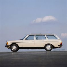The Mercedes Wagon was built on the W123 chassis.