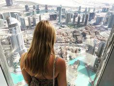 At the Top of Burj Khalifa: Wir haben in Dubai die Aussichtsplattform des Burj Khalifa im 124. Stock besucht. Weitere Tipps für einen Dubai Urlaub gebe ich Euch in diesem Artikel...