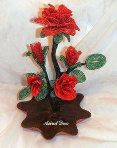 Roses beaded ornament