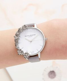 Classic Womens Timepiece Store picked for you cool women's watches Fancy Watches, Simple Watches, Cute Watches, Expensive Watches, Elegant Watches, Beautiful Watches, Women's Watches, Unique Watches, Luxury Watches