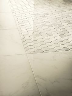 Crossville 39 s virtue porcelain tile offers a subdued chic for Crossville tile virtue
