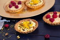 Mangókrémes és karamellizált fehércsokis tarte Recept képpel - Mindmegette.hu - Receptek Knitting Videos, Minion, Sushi, Bacon, Cheesecake, Paleo, Ethnic Recipes, Food, Pie