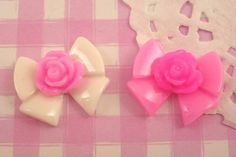 Extra cute kawaii style pink and white rose flower bow #cabochons! Perfect for all kinds of crafts, including #decoden, #jewellery jewelry making, card making, scrapbooking and more!! #Kawaii