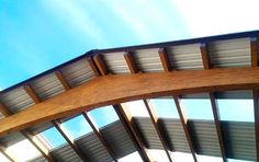 CUBIERTA MADERA__La madera ese material olvidado de la arquitectura… Esta cubierta es un pequeña muestra de la potencia de este material.