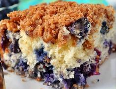 An easy Blueberry Muffin Streusel Cake recipe. Make this blueberry muffin streusel recipe for brunch or a potluck. Best Blueberry Muffins, Blueberry Recipes, Blue Berry Muffins, Blueberry Cake, Blueberry Season, Köstliche Desserts, Delicious Desserts, Yummy Food, Streusel Cake
