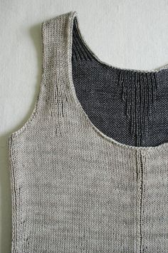 Laura's Loop: Rib-Wise Tank - Purl Soho - Knitting Crochet Sewing Embroidery Crafts Patterns and Ideas! Knitting Patterns Free, Knit Patterns, Free Pattern, Purl Bee, Purl Soho, Dmc, Summer Knitting, Embroidery Fashion, Diy Embroidery
