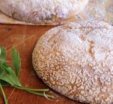 Lovage semolina bread