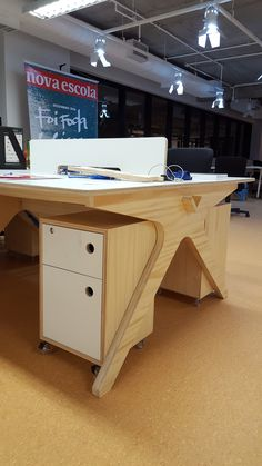 Lovely Lean Desks made in Brazil by Huna Marcenaria for Nova Escola