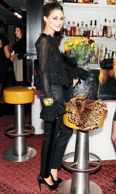 Olivia Palermo in Tuxedo Pants Olivia Palermo Outfit, Estilo Olivia Palermo, Look Olivia Palermo, Olivia Palermo Lookbook, Look Fashion, Fashion Tips, Fashion Beauty, Face Fashion, Fashion Weeks