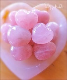 rose quartz has a loving, heart-healing energy ♥