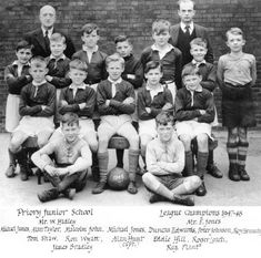 Precious photo of Dudley sporting icon Duncan Edwards is uncovered Manchester United Legends, Manchester United Football, School Football, Football Team, Munich Air Disaster, Duncan Edwards, Man Utd Squad, Matt Busby, Old Trafford