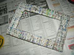 rámik opletený Portaretrato de papel periódico