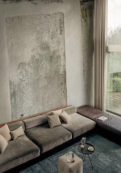 tonal #Samt, #Tapete, #rosafarbenes #Sofa, #Dekoration, #Inspiration http://wohnenmitklassikern.com/klassich-wohnen/sohamy-ein-brand-neuer-online-showroom-fur-luxus-raumgestaltung/