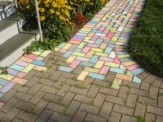 outdoor fun chalk games for kids, sidewalk art chalk game. Learn to do sidewalk art Brick Sidewalk, Sidewalk Chalk Art, Chalk Photos, Country Chic Cottage, Chalk Drawings, Backyard For Kids, Backyard Toys, Outdoor Fun, Party Outdoor