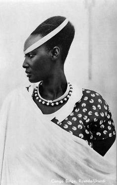 Africa | Princess Emma Bakayishonga, the sister of the Watussi king Mutara III Rudahigwa. ca. 1940 - 1950 || Scanned vintage postcard