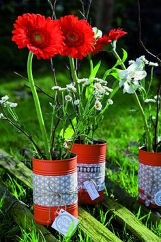 Tin can craft ideas flower vases and plant pots potted centerpiece painted fabric garden decoration architects of the west kingdom metal coins Diy Flowers, Flower Vases, Flower Pots, Tin Can Crafts, Diy And Crafts, Diy Tree, Fleurs Diy, Diy Planters, Garden Pots