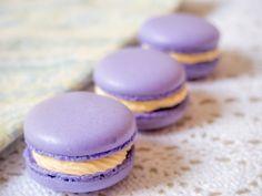Macarons gefüllt mit einer französischen Buttercreme ist nicht nur besonders lecker, es werden auch gleich die übrig gebliebenen Eigelb verwertet.