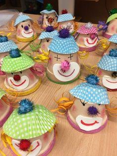 30 ideas for handicrafts with children for carnival - tinker for carnival tinker with children Informations About 30 Ideen zum Basteln mit Kindern zu Fasc - Diy Crafts To Do, Upcycled Crafts, Arts And Crafts, Clown Crafts, Carnival Crafts, Paper Christmas Decorations, Christmas Diy, Preschool Crafts, Kids Crafts