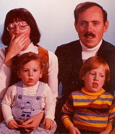 17 Of The WEIRDEST Looking Family Photos!!