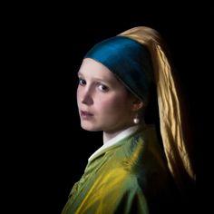 Girl with Pearl Earring Parody Johannes Vermeer, Girl With Pearl Earring, Dutch Golden Age, Famous Artwork, Dutch Painters, Creative Artwork, Modern Artists, Delft, Girls Wear