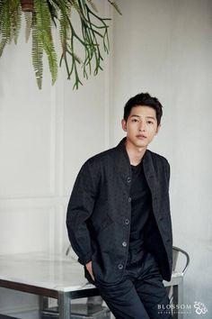 Descendants of the Sun-Korean drama_id-Song Korean Celebrities, Korean Actors, Descendants, Song Joong Ki Dots, Soon Joong Ki, Decendants Of The Sun, G Song, Songsong Couple, Ji Hoo