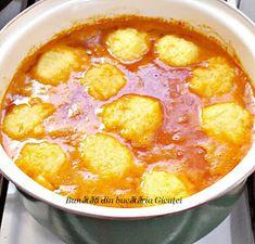 Supa de rosii cu galuste din gris - Bunătăți din bucătăria Gicuței Raw Food Recipes, Gourmet Recipes, Soup Recipes, Vegetarian Recipes, Cooking Recipes, Healthy Recipes, Romanian Food, Romanian Recipes, Pita