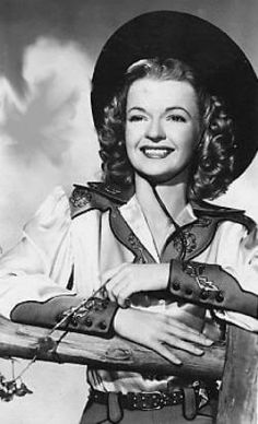 Dale Evans, she wrote the song Happy Trails for the show she did with her husband Roy Rogers Cow Girl, Cow Boys, Vintage Cowgirl, Cowboy And Cowgirl, Old West, Vintage Hollywood, Classic Hollywood, Gaucho, Rock And Roll