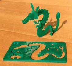 カード状になったものからパーツを取り外し、組みあわせるとドラゴンができあがります。難易度:上級サイズ:約8cm×5cm×0.2cm(組...|ハンドメイド、手作り、手仕事品の通販・販売・購入ならCreema。