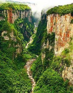 Canyon d'Itaimbezinho, Parque Nacional de Aparados da Serra, Brasil