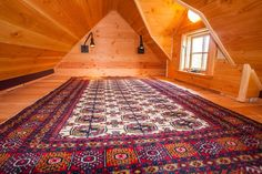 The Kingfisher tiny house is a design by Taproot Architects and built by Jade Craftsman Builders. It's an home, that's a beauty inside-out. Tiny House Loft, Tiny House Living, Tiny House Design, Small Living, Online Home Design, Box Container, Home Design Magazines, Sleeping Loft, Cabins And Cottages