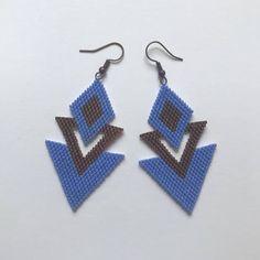 Brick Stitch Earrings, Seed Bead Earrings, Beaded Earrings, Seed Beads, Beaded Jewelry, Crochet Earrings, Triangle Earrings, Beading Tutorials, Locs