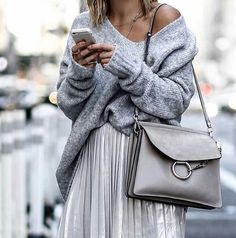 More – From Luxe With Love chunky knit jumper. More chunky knit jumper. Looks Street Style, Street Style Summer, Look Fashion, Fashion Outfits, Fashion Trends, Fashion Ideas, Fashion Women, Skirt Fashion, Spring Fashion