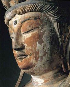 【奈良・薬師寺/十一面観音菩薩立像(8世紀)】180cm、