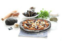 Pizza frutti di mare o marinera. Deliciosa receta de pizza Frutti di mare o marinera. Exquisita mezcla de salsa de tomate con los jugos de los moluscos. Con Thermomix® te quedará perfecta.