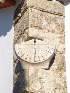 Sun clock of Nossa Sra. da Fé church -  Zibreira da Fé, Sobral de Monte Agraço, Portugal