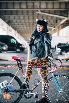 Kristina rides an unlabeled fixed gear bike photgraphed at St. and the East River Bikeway, Manhattan at this year's Cranksgiving charity bike ride Urban Cycling, Urban Bike, Bicycle Women, Bicycle Girl, Custom Bike Helmets, Best Bike Rack, Lifestyle Fotografie, Bike Icon, New York City