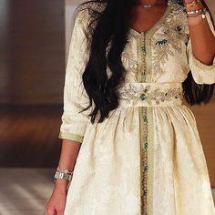 Moroccan Princesses | Nuriyah O. Martinez | 29 vind-ik-leuks, 2 reacties - @dresses.abaya op Instagram: 'By @rajaa_fashion 🔥😍'