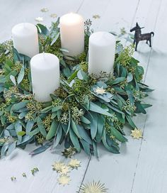 17 Modern Advent Wreath Ideas that are Beautiful and Meaningful! New takes on the traditional Advent Wreath. Celebrate Christmas with a new tradition and make your own DIY Advent wreath. Homemade Advent Wreath, Homemade Christmas Wreaths, Noel Christmas, Christmas Crafts, Christmas Decorations, Advent Wreaths, Xmas, Christmas Advent Wreath, Thanksgiving Crafts