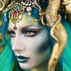 I made it to the Top 10 of the So excited for the next round 💃💃💃 Medusa Costume Makeup, Medusa Halloween Costume, Halloween Inspo, Halloween Makeup Looks, Halloween Make Up, Pretty Halloween, Maquillage Serpent Halloween, Maquillaje Halloween, Medusa Make-up
