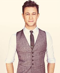 """We may know him from """"10 Things I hate about you"""" or from """"Inception"""" actor Joseph Gordon-Levitt (JGL) is now he is calling for your help and give you the opportunity to work with him. """"Hit Record""""..."""
