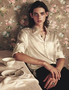 """I don't believe in the existence of angeles, but looking at you I wonder if it's true"" Erin Mommsen photographed Sharif Hamza for Issue 42 of 10 Men. Marc Schulze, Matthew Clavane, Pretty People, Beautiful People, Erin Mommsen, Mermaid Stories, Ariana Grande Drawings, Aesthetic People, Face Reference"