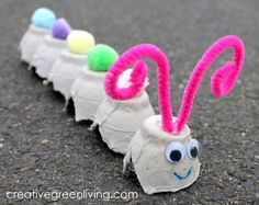 egg carton caterpillar craft ~ craft egg carton + craft egg carton kids + craft egg carton flowers + craft egg carton christmas + egg carton crafts for kids + egg carton caterpillar craft + craft with egg carton kids + egg carton crafts for toddlers Egg Carton Caterpillar, Caterpillar Craft, Fun Crafts For Kids, Toddler Crafts, Diy For Kids, Crafts From Recycled Materials, Diy Crafts How To Make, Quick Crafts, Earth Day Crafts