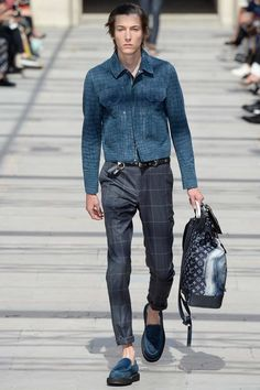 Louis Vuitton Spring 2017 Menswear Collection Photos - Vogue