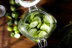 easiest fridge dill pickles (I've made these before and going to make them again! the recipe's from smitten kitchen! Veggie Recipes, Vegetarian Recipes, Yummy Recipes, Recipies, Do It Yourself Food, Refrigerator Pickles, Kitchen Refrigerator, Homemade Pickles, Pickles Recipe