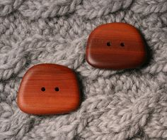 Manzanita Buttons